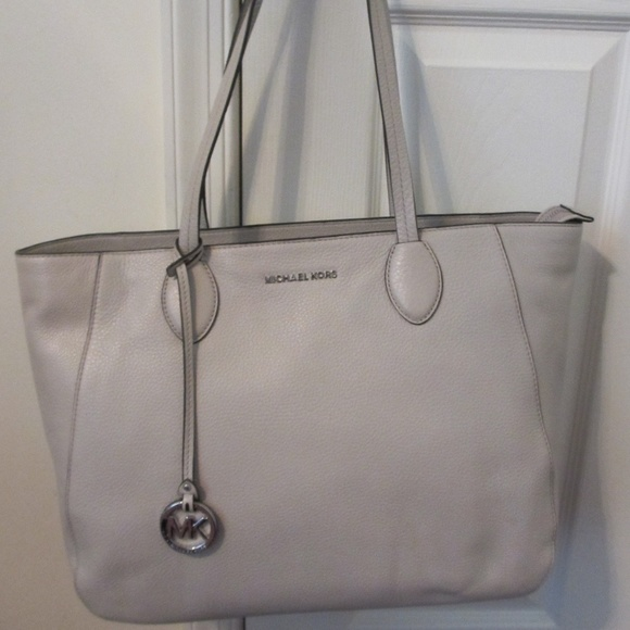 f4268f81e517 Michael Kors Bags | Nwt Ani Large Leather Tote In Cement | Poshmark
